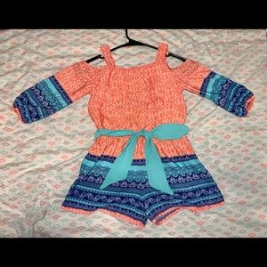 Girl's Cold Shoulder Romper - Size Small (6/6X)